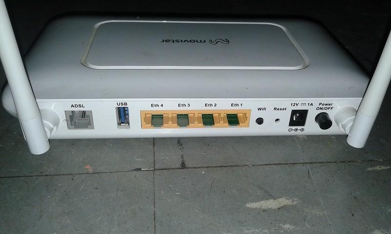 有線LAN対応の機器はなるべくlanケーブルで接続