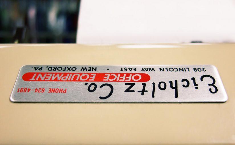 いつまでも文字が見やすい耐候性のある銘板